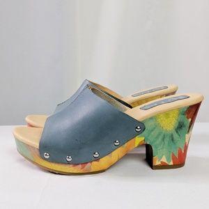 Korks by Kork-Ease Blue Floral Leather Slides NWOT